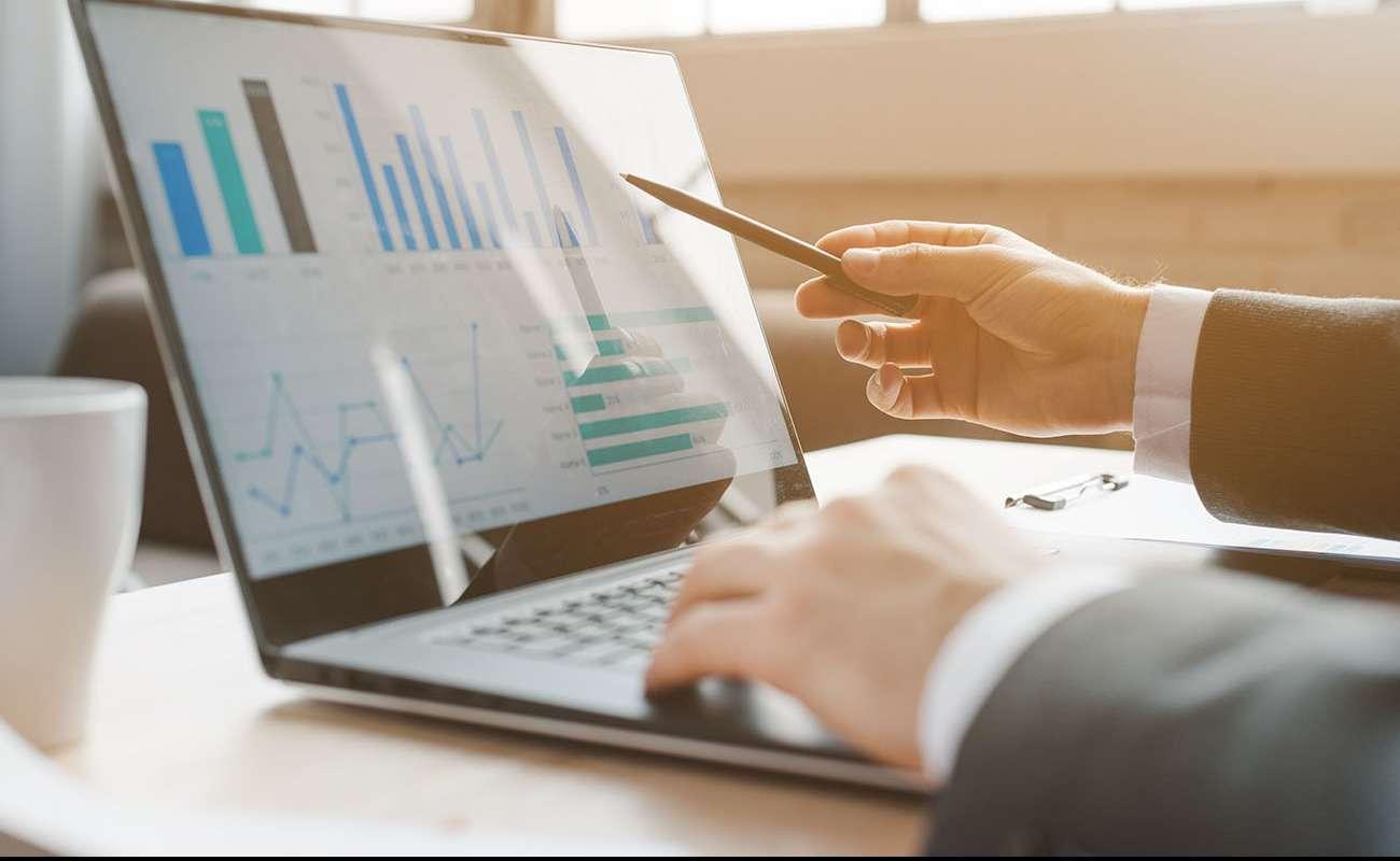 چگونه از اندیکاتورها برای ایجاد استراتژی معاملاتی استفاده کنیم؟