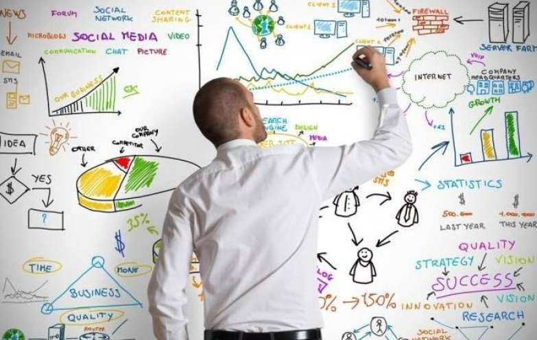 معاملهگر و تحلیلگر چه فرقی با هم دارند؟